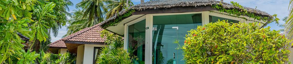 Beachfront villa (8).jpg