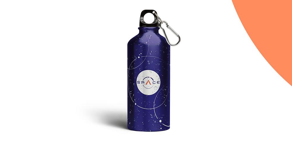 Garrafa com o logo Space aplicado