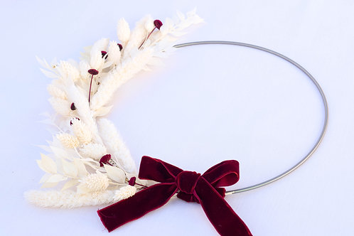 corona navideña flores blancas