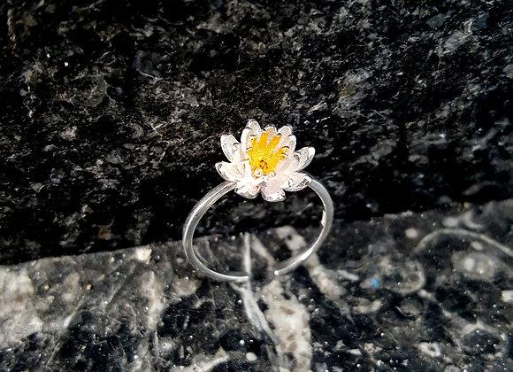 Lotus Ring (One Size)