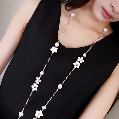 Romantic Pearl Necklace
