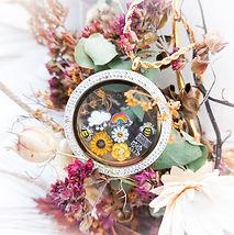 XXl Crystal Spring locket.jpg