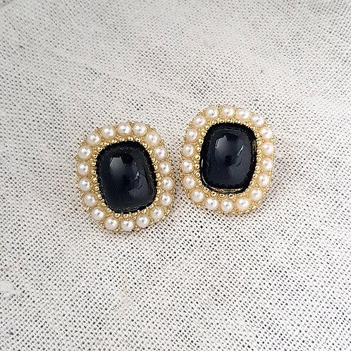 Camilia Earrings Black