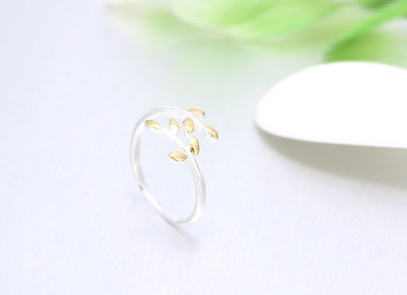 Silver Leaf Ring (One Size)