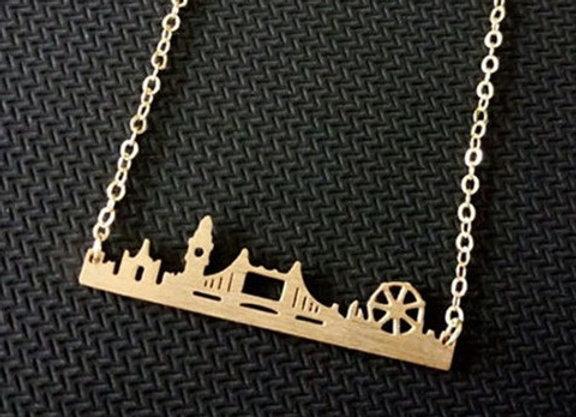 London Skyline Necklace Gold