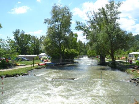 Pfingstfahrt nach St.-Pierre-de-Boeuff: ein Wildwasserkanal für Anfänger und Profis gleichermaßen