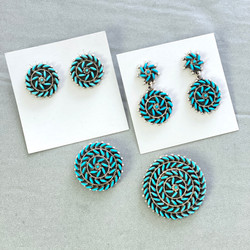 Turquoise petit point cluster