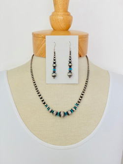 Diamond cut silver bead w turquoise necklace