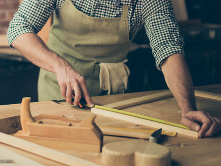 BEND YOUR NEEDS: CHOOSING THE RIGHT WOOD FOR CABINETRY