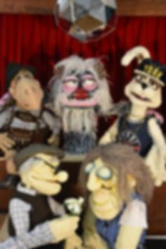 Puppenwerkstatt Hochformat_edited.jpg