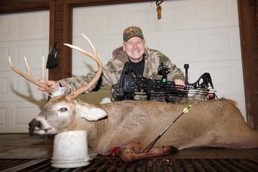 Hunting Kansas Whitetails AussieJohn Hossack