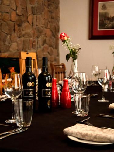 Royal Karoo Hunting Lodge Dinner Table_