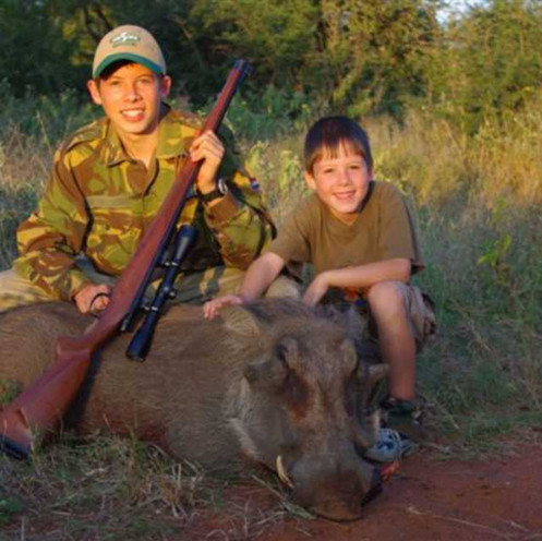 Wart Hog Hunting With Africa Safari Outf