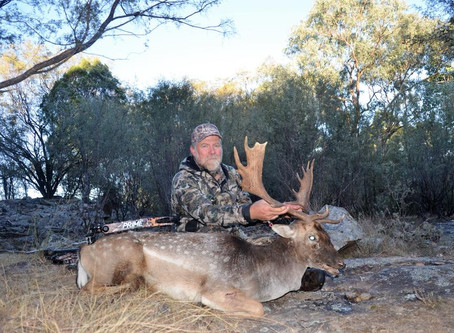 Returning Client Rick Takes A Great Buck On The Last Day Of His Hunt!