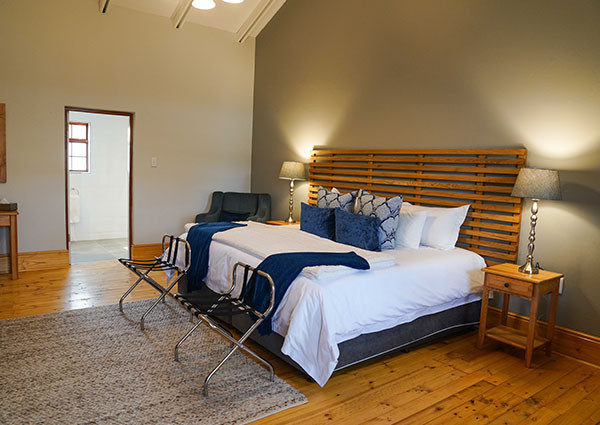 5 Star Luxury On The Eastern Cape Of South Africa - Royal Karoo Safaris