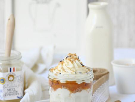 Verrines à la compote d'abricot et au miel de lavande