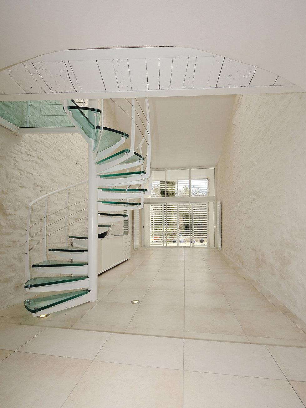 Maison blanche escalier.jpg
