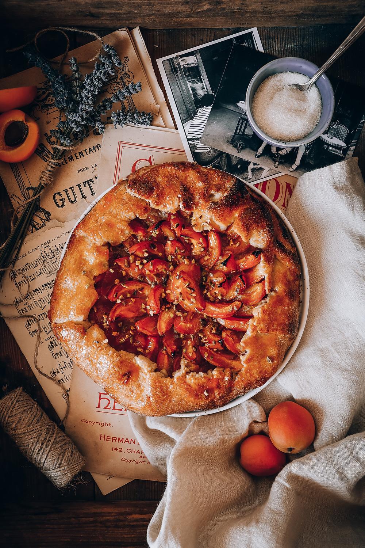 Tarte rustique aux abricots, Elodie's Bakery