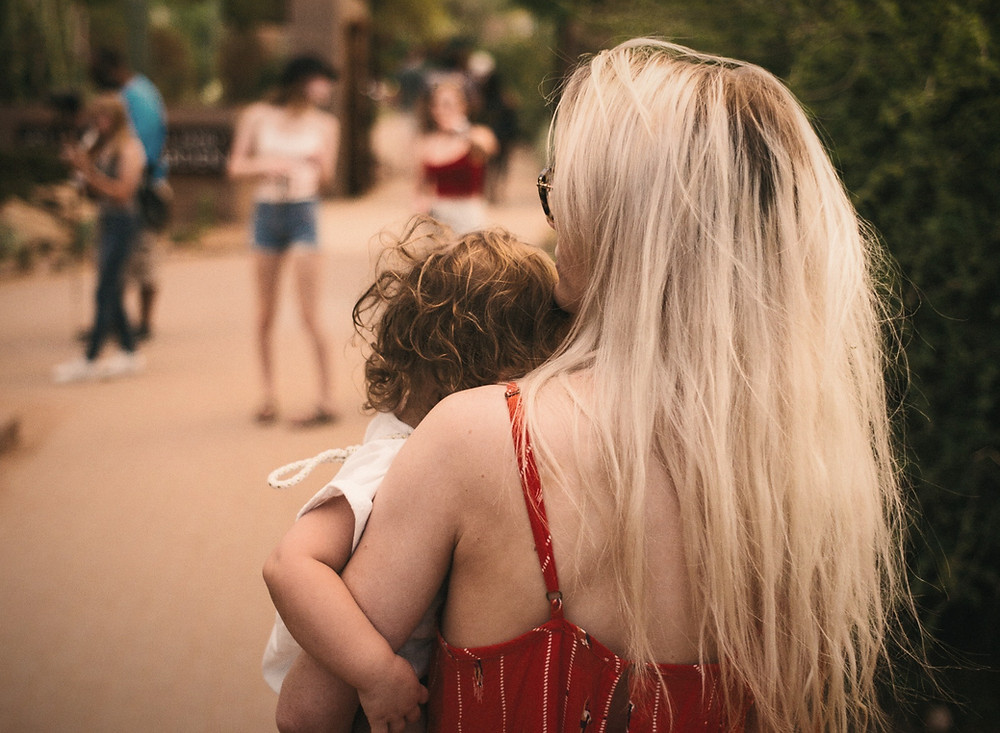 Ensam mamma med bebis