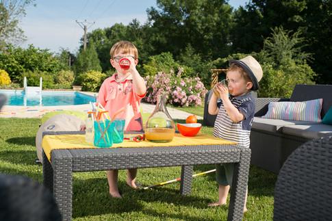 Ensemble canapé & table basse pour un goûter d'anniversaire