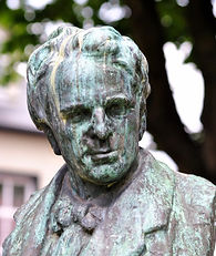 Bust ofo WB Yeats .jpg