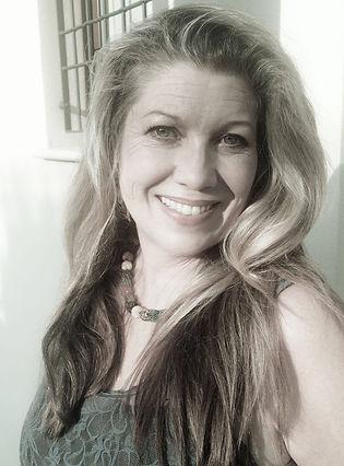 Helen Grange, journalist,Site Sparkler.j