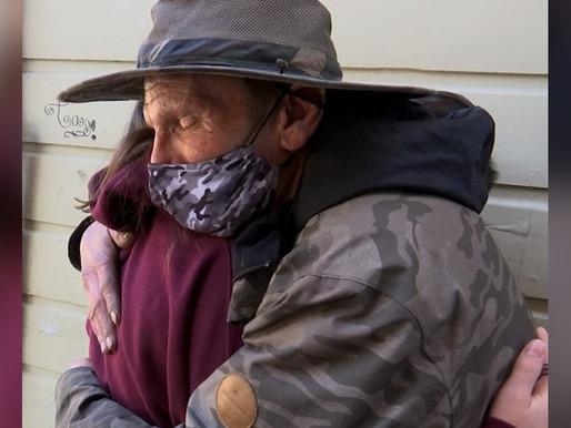 POSITIVE NEWS - Girl Donates Her Birthday Money to Homeless Man Who Returned Her Grandma's Wallet