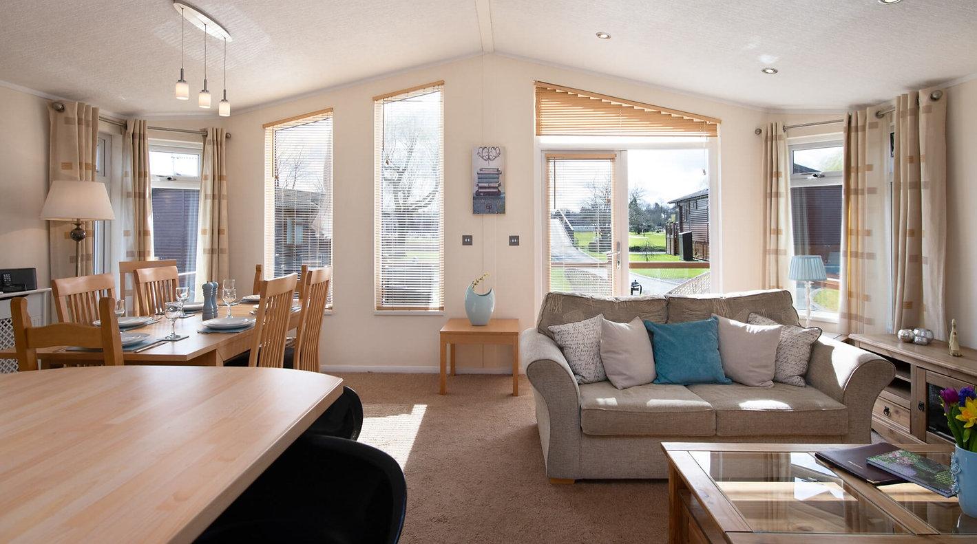 Dog-Friendly Holiday Cottages Stratford Upon Avon | Nature Breaks UK | Holiday Lodge Stratford Upon Avon | Holiday Cottages