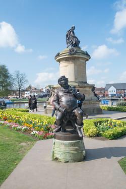 Falstaff statue.jpg