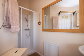 Countryside Breaks for Couples | Secret Getaways UK | Nature Breaks UK | Holiday Cottages Stratford Upon Avon | Daisy Lodge