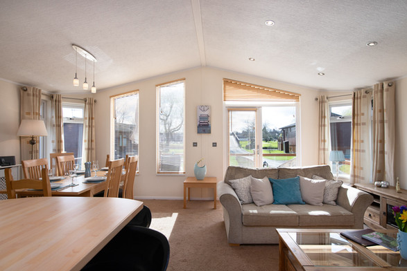 Holiday Cottages Stratford Upon Avon | Countryside Breaks for Couples | Secret Getaways UK | Nature Breaks UK | Daisy Lodge