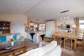 Daisy Lodge | Holiday Cottages Stratford Upon Avon | Countryside Breaks for Couples | Secret Getaways UK | Nature Breaks UK |