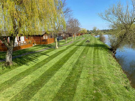 Secret Getaways UK | Holiday Cottages Stratford Upon Avon | Nature Breaks UK | Quiet Lodge | Countryside Breaks for Couples