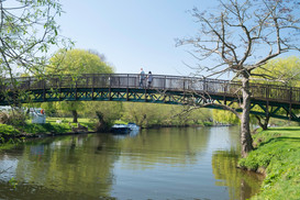 Countryside Breaks for Couples | Secret Getaways UK | Holiday Cottages Stratford Upon Avon | Nature Breaks UK | Daisy Lodge
