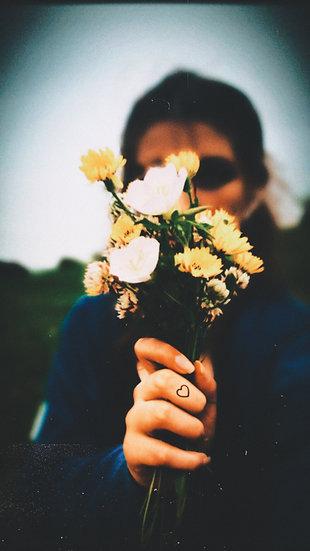 Simple love(Finger Tattoo)