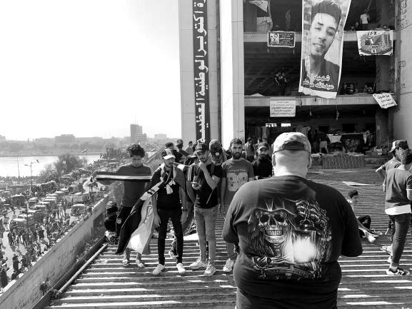 """Die Band """"Armando"""" bei Dreharbeiten am Tahrir Platz. Bild: Sinan Salaheddin Mahmoud"""