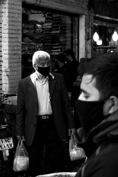 Immer seltener im Alltag: Masken zum Schutz. Bild: TM