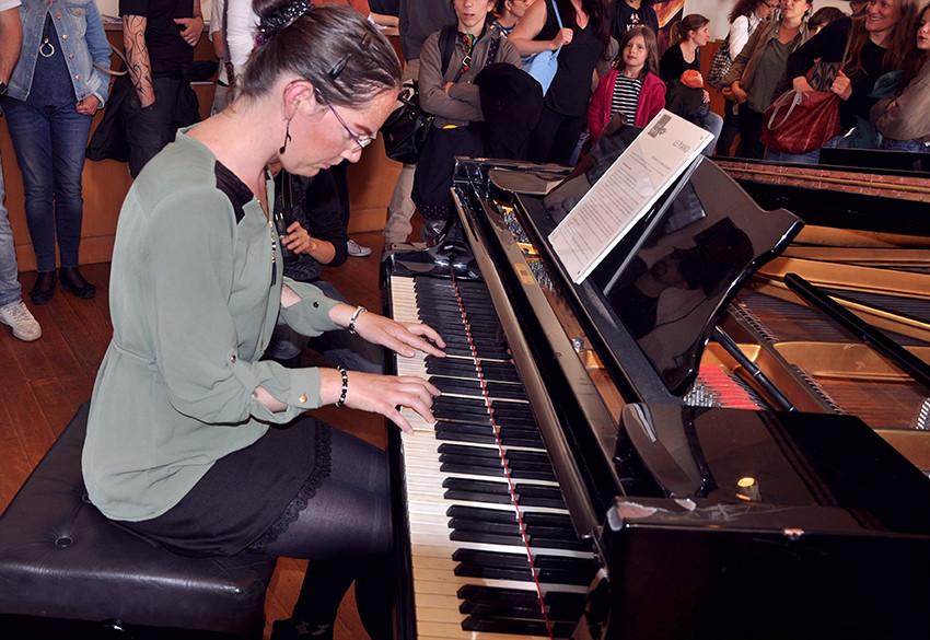 Nadia DUBOCK au piano