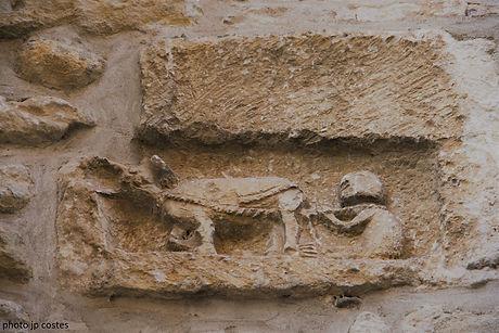 pierre de réemploi pierre de consécration église saint sernin daumazan