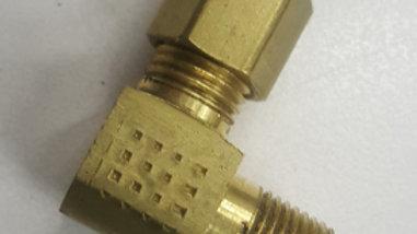 "~ Brass 1/8"" MPT x 90° comp"