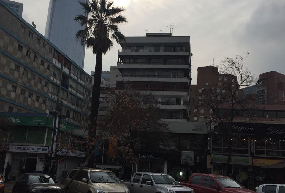 PROVIDENCIA  / METRO LOS LEONES