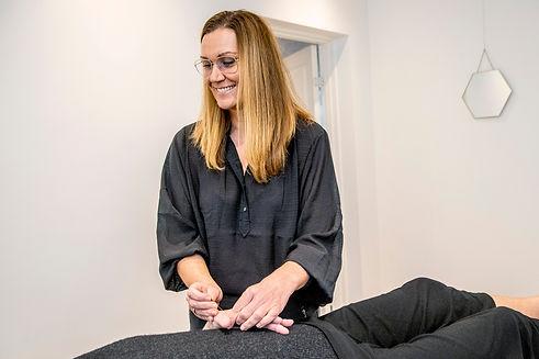 Klinik Ringsing. Sundhed og Kropsterapi med Dorte Ringsing. Sndhedsforløb, akupunktur, laserterapi, zoneterapi, Fysiologisk / Fysiurgisk massage, Sundhedskurser, Analyse og behandling laboratorietest