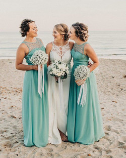 Simply Beautiful 👗 #bridestory #bridesm