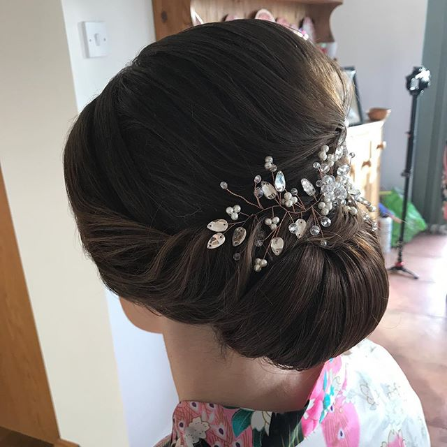 Beautiful Rachael's romantic bridal hair
