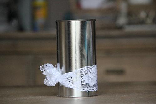 Vase avec dentelle