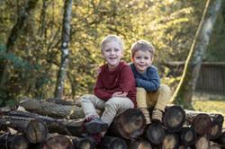 séance-photo-enfant-automne-feuilles-ar