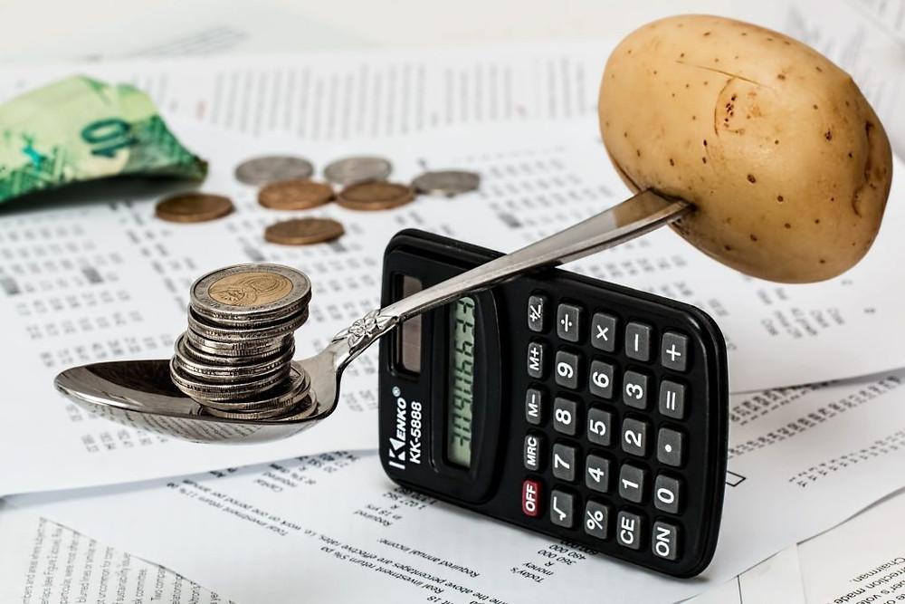Les repas végétariens coûtent moins chers et permettent de mettre l'argent dans l'amélioration de la qualité des aliments (bio, local, frais...)