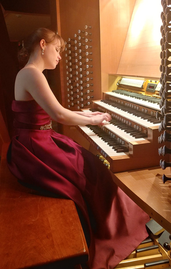 Katelyn Emerson at the Walt Disney Concert Hall console, Los Angeles, CA