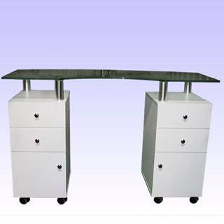 שולחן עשוי עץ עם לפטה עליונה מזכוכית