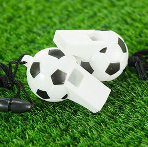 10 июля международный день футбольного свистка